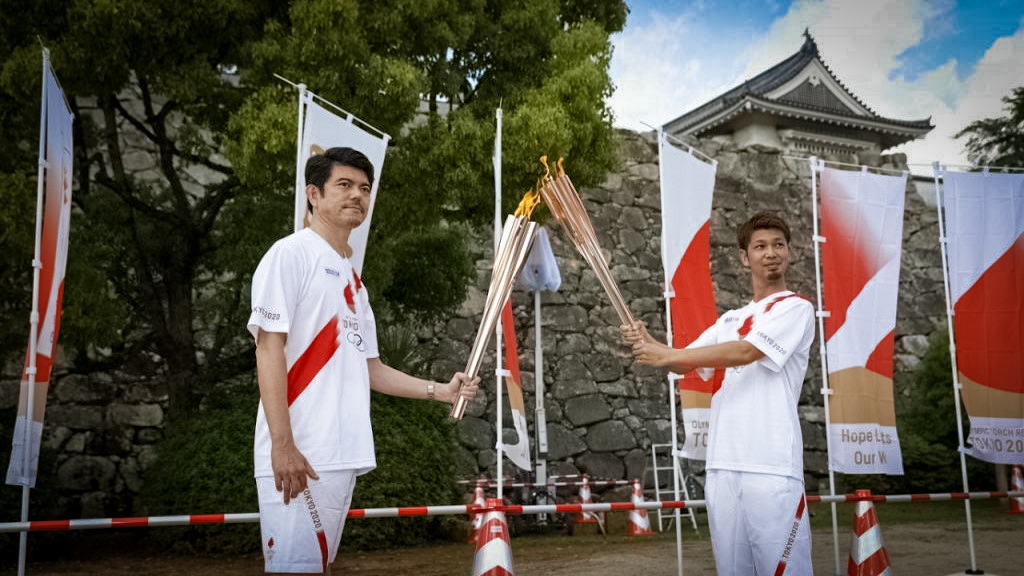 Ken Takahashi - Tokyo 2020 Olympics Torch Kiss